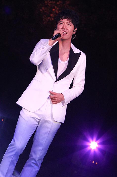 2013年 ユン・サンヒョン Acoustic Live
